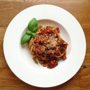 Zucchini-Spaghetti Bolognese Vegan Style